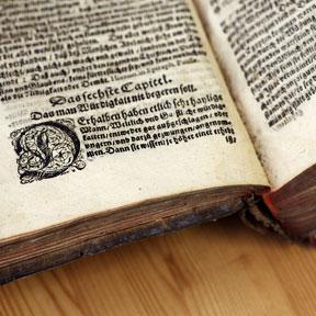 Ein ganz altes Buch